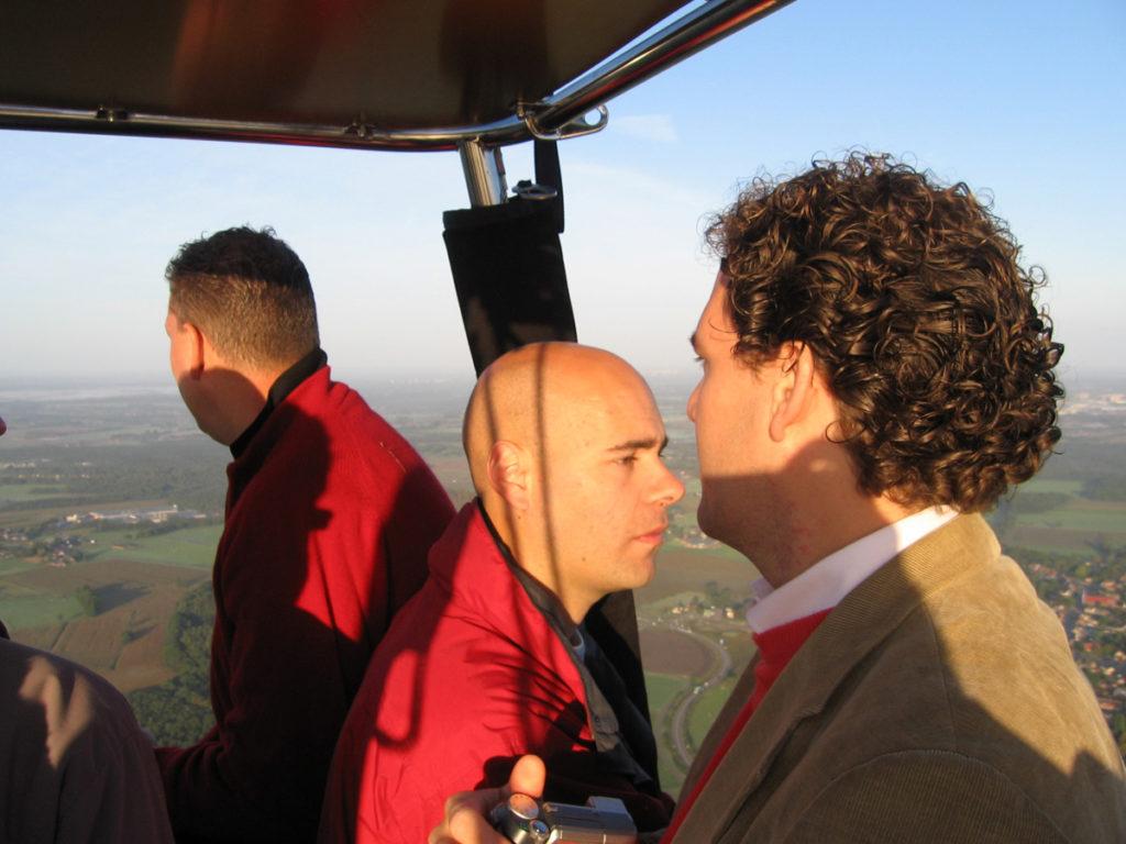 3 passagiers aan boord van de ballon